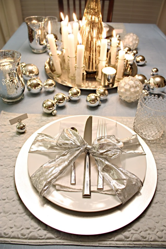 Christmas table decorating idea