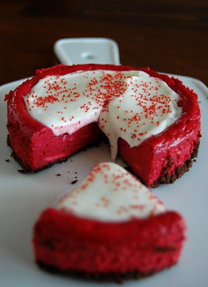 Red Velvet Cheesecake | moco-choco