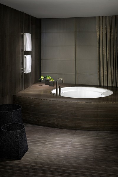 Armani hotel in burj khalifa dubai moco choco for Design hotel dubai