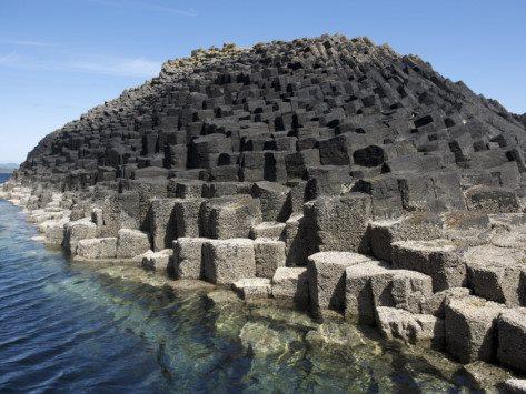 [Image: keenpress_columnar_basalt_volcanic_rock_...=473&h=355]