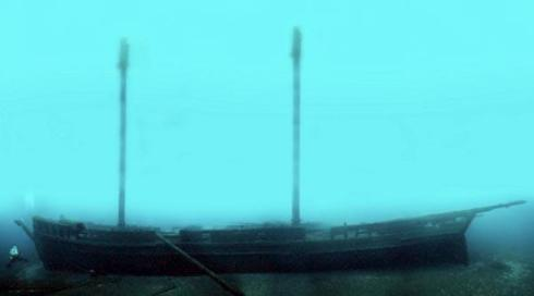 Defiance  shipwreck, Lake Huron, North America