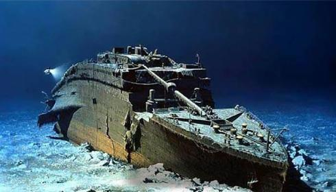 The Titanic shipwreck, The North Atlantic Ocean 2