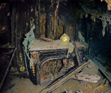 important shipwrecks-suite of titanic