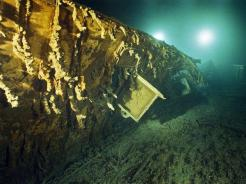 important shipwrecks-window of titanic