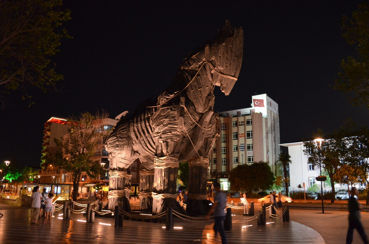 The Movie Famous Trojan Horse Canakkale Turkey Moco Choco