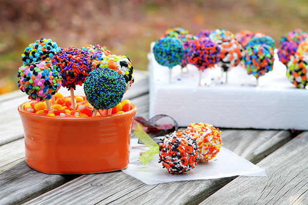 Easy and cute cookie pops halloween recipe