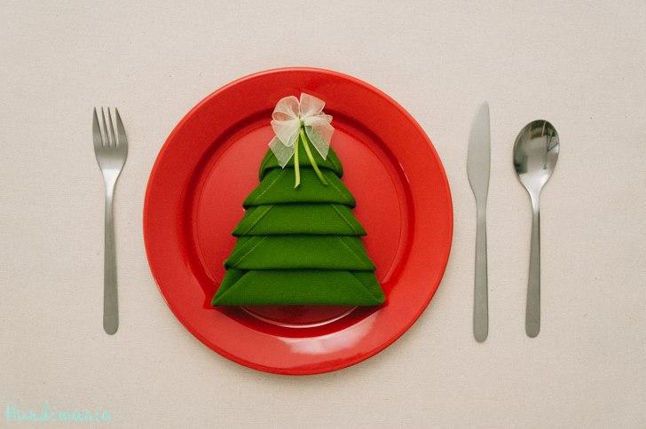 DIY Christmas Tree Napkin Fold – Moco-choco