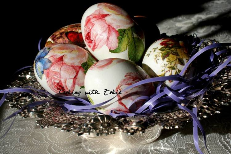 instructions how to color easter eggs roses
