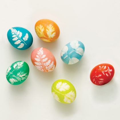 DIY leaf decor easter eggs