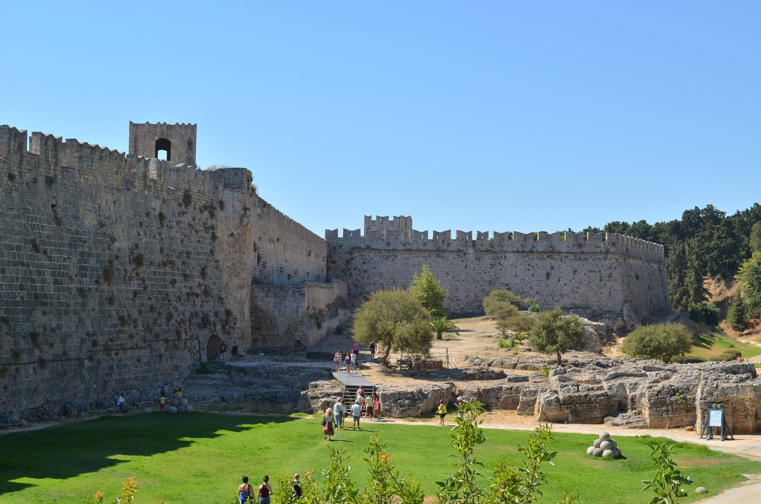 One of The Best-Preserved Medieval Towns in Europe-Rhodes ...