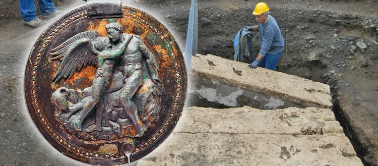 important archaeological discovery in Vergina, mirror