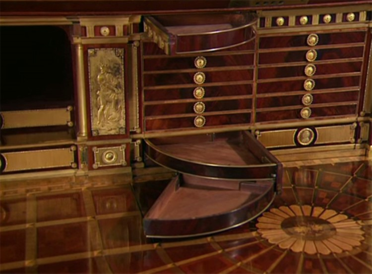 Amazing 200 Year Old Hand Made Desk Full Of Secret
