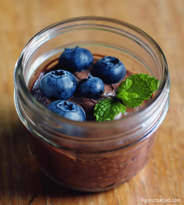 Delicious Greek Yogurt Chocolate Mousse Recipes | moco-choco